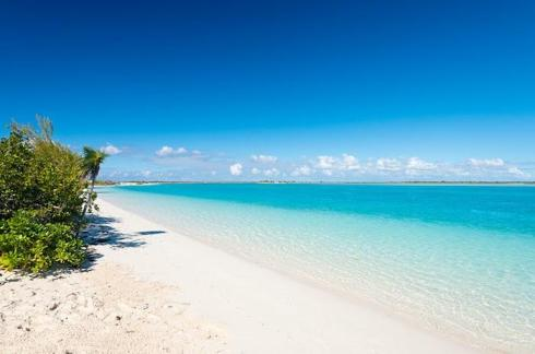 Blue-Orchid-Villa-Providenciales-leeward-beach