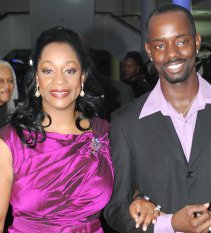 Ronnie Morris with 4 time Grammy winnerRegina Belle